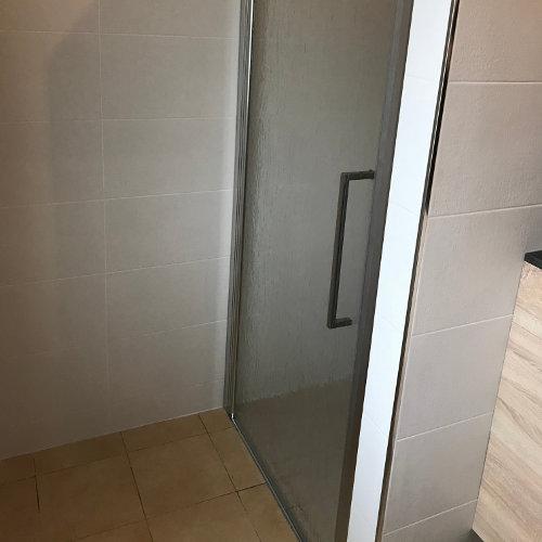 Porte cabine de douche