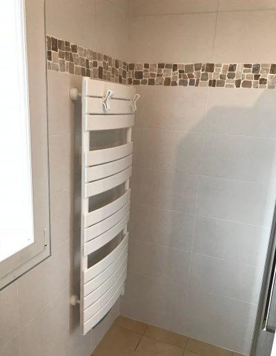 salle bain radiateur seche serviette