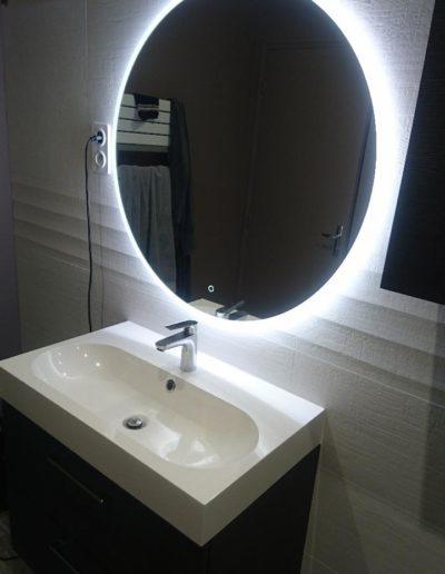 Salle bain mirroir cercle retro eclairé