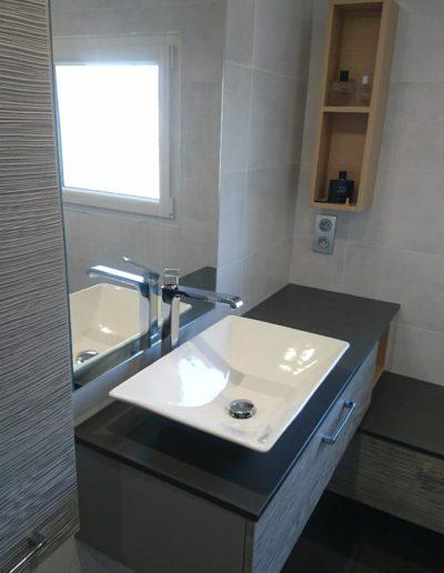 Salle de bain vasque blanche
